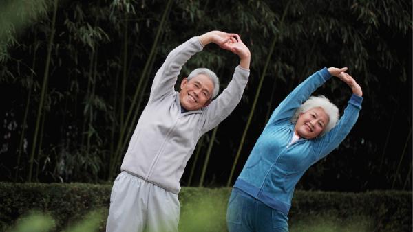 envelhecer com saude fazendo atividade fisica