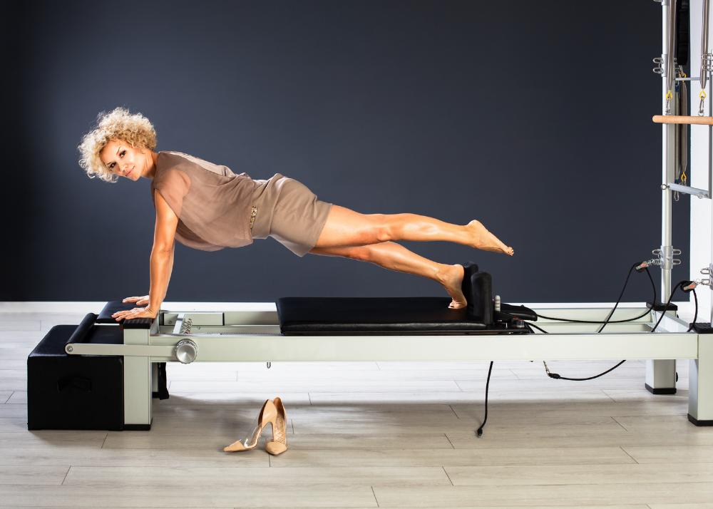 Fisioterapia-Guilherme-Abreu-AKTA-Liv-pilates-sindrome-de-burnout-mulher-de-meia-idade