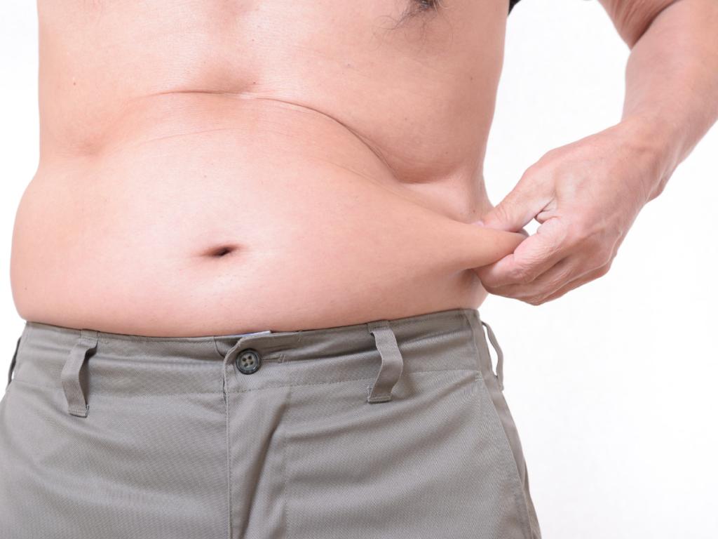 Akta-Liv-clinica-endocrinologia-acelerar-metabolismo-perda-de-peso-homem-com-gordura-abdominal